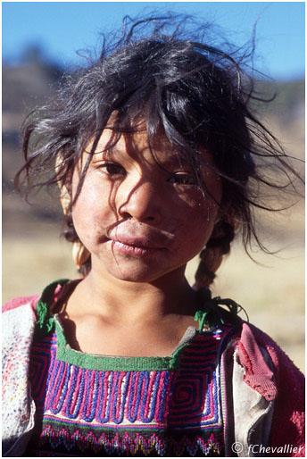 Jeune fille au Guatemala
